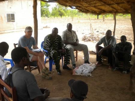 Réunion du 20.03.2011 : Claude Roquier, M. Drabo de l'INERA et le bureau agricole